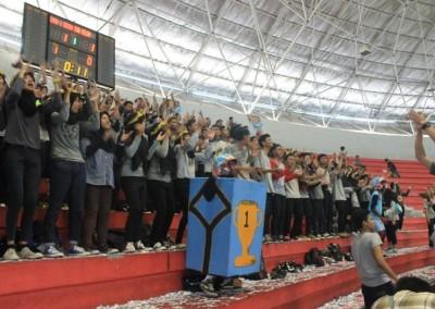 Riuh Semangat Fans Club SMA ISLAM 1 GAMPING Pada acara Hydro Coco National Futsal Tournament